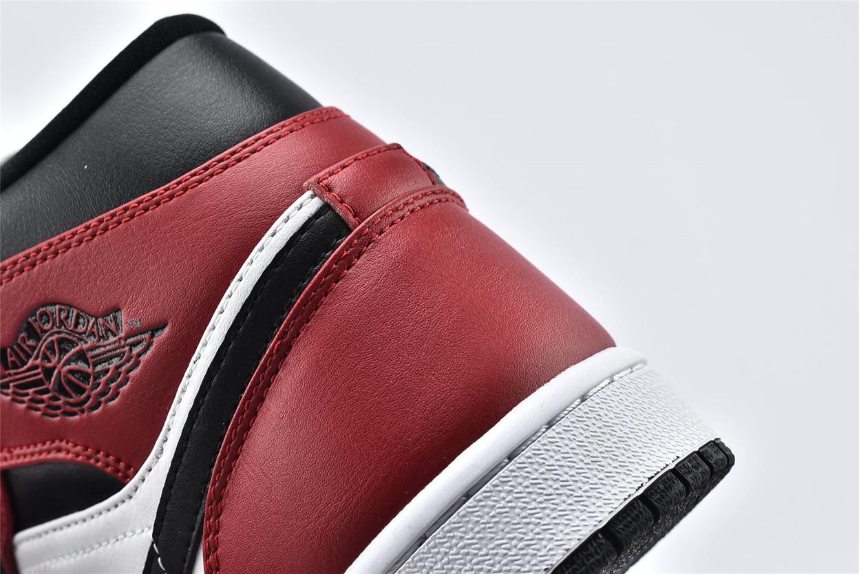 Air Jordan 1 Mid Chicago Black Toe 14