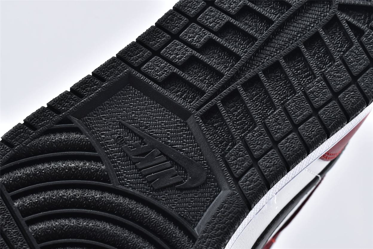 Air Jordan 1 Mid Chicago Black Toe 16