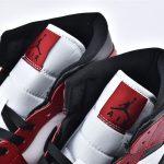 Air Jordan 1 Mid Chicago Black Toe 4