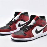 Air Jordan 1 Mid Chicago Black Toe 5