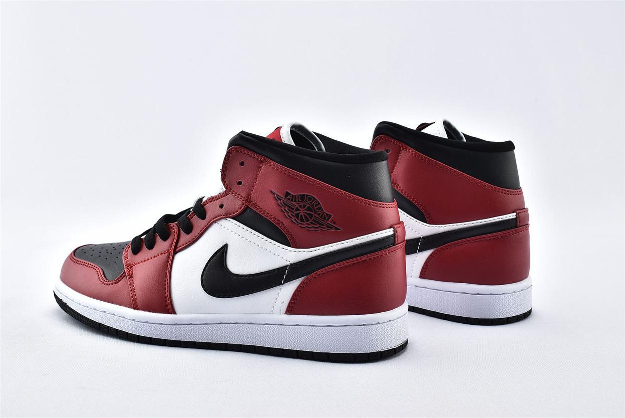 Air Jordan 1 Mid Chicago Black Toe 9