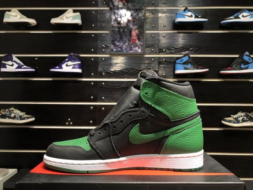 Air Jordan 1 Retro High OG Pine Green 2.0 3