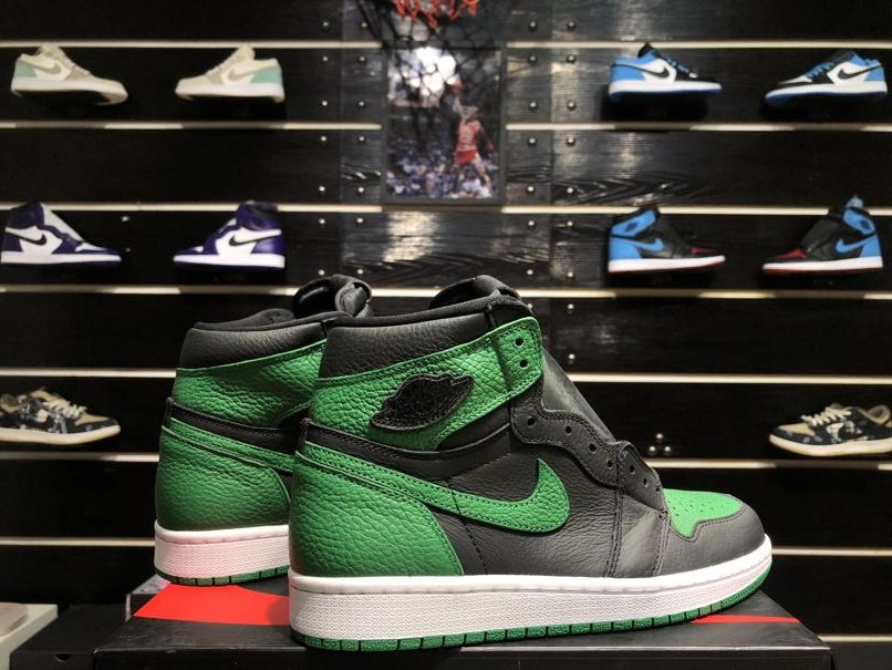 Air Jordan 1 Retro High OG Pine Green 2.0 5