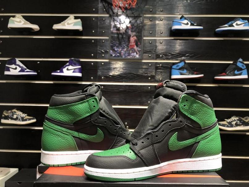 Air Jordan 1 Retro High OG Pine Green 2.0 8