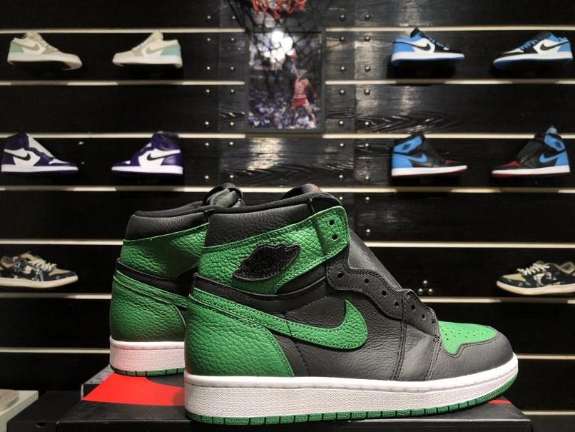 Air Jordan 1 Retro High OG Pine Green 2.0 9