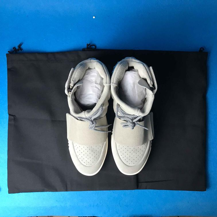 adidas Yeezy Boost 750 OG Light Brown 19