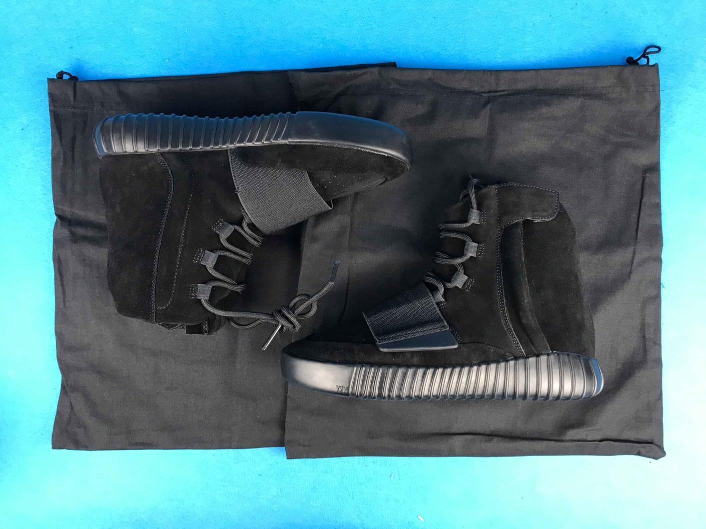 adidas Yeezy Boost 750 Triple Black 22