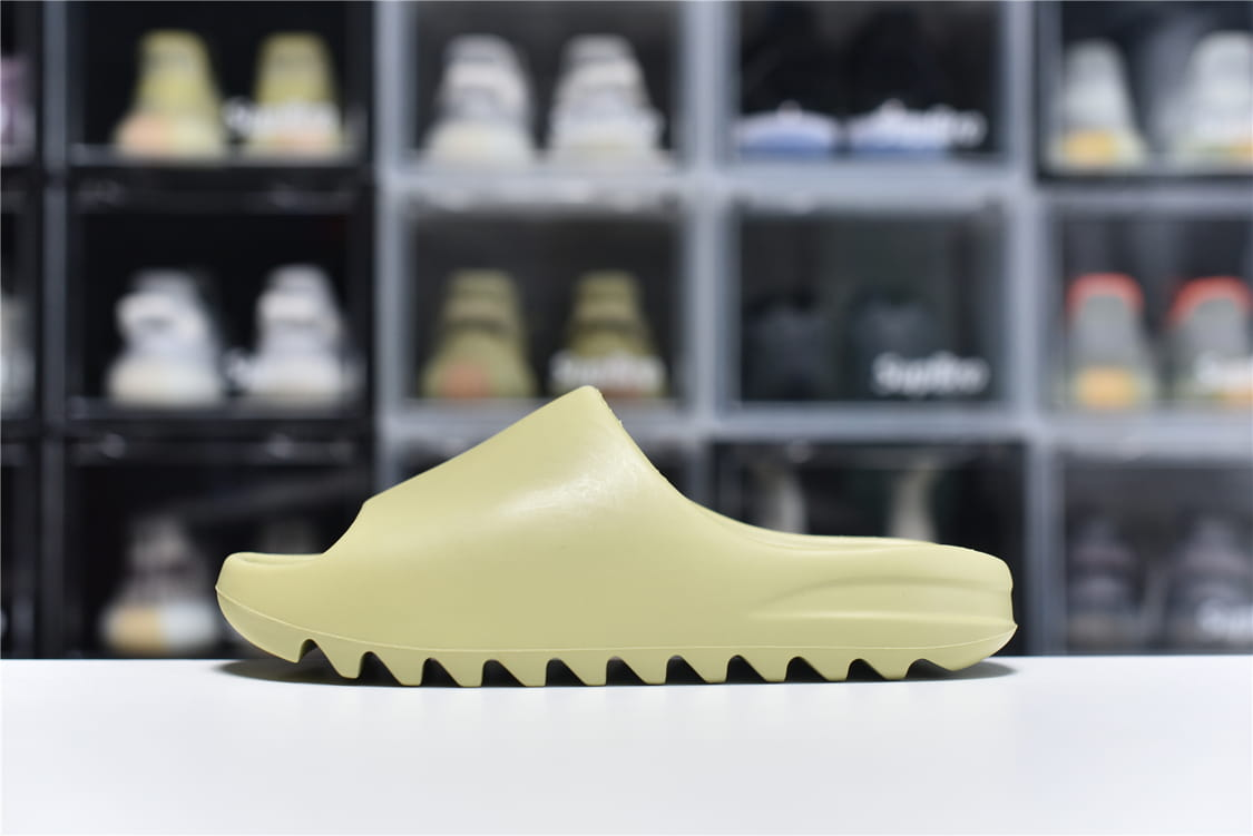 adidas Yeezy Slide Resin 1