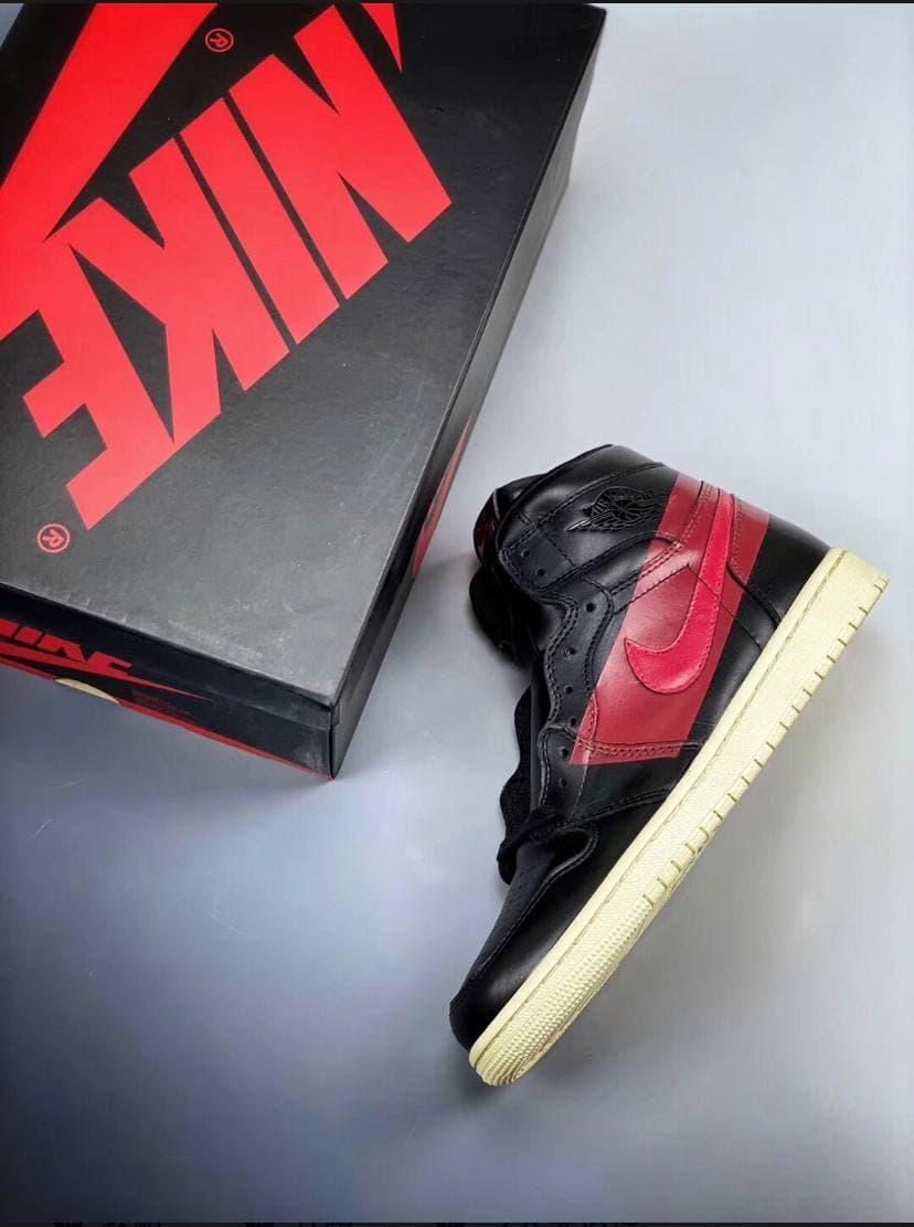 Air Jordan 1 Retro High OG Couture 22