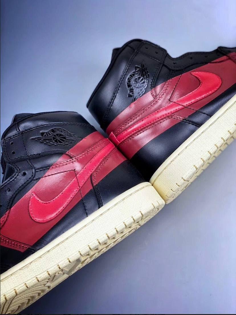Air Jordan 1 Retro High OG Couture 24