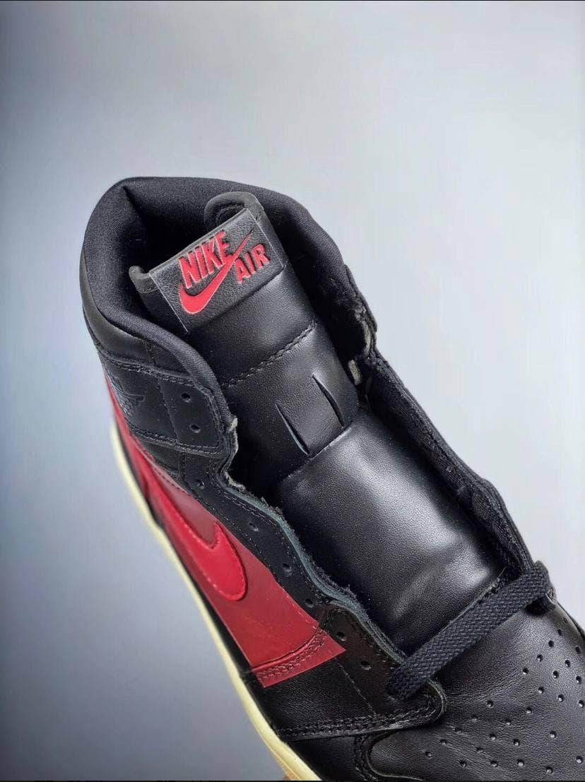 Air Jordan 1 Retro High OG Couture 26