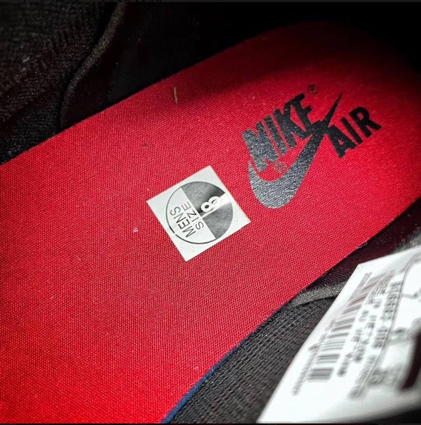 Air Jordan 1 Retro High OG Couture 28