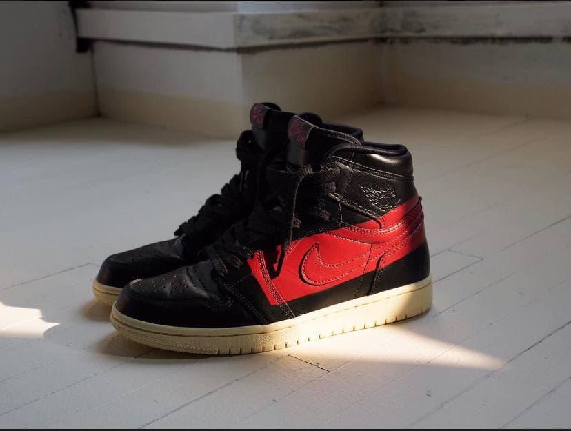 Air Jordan 1 Retro High OG Couture 32