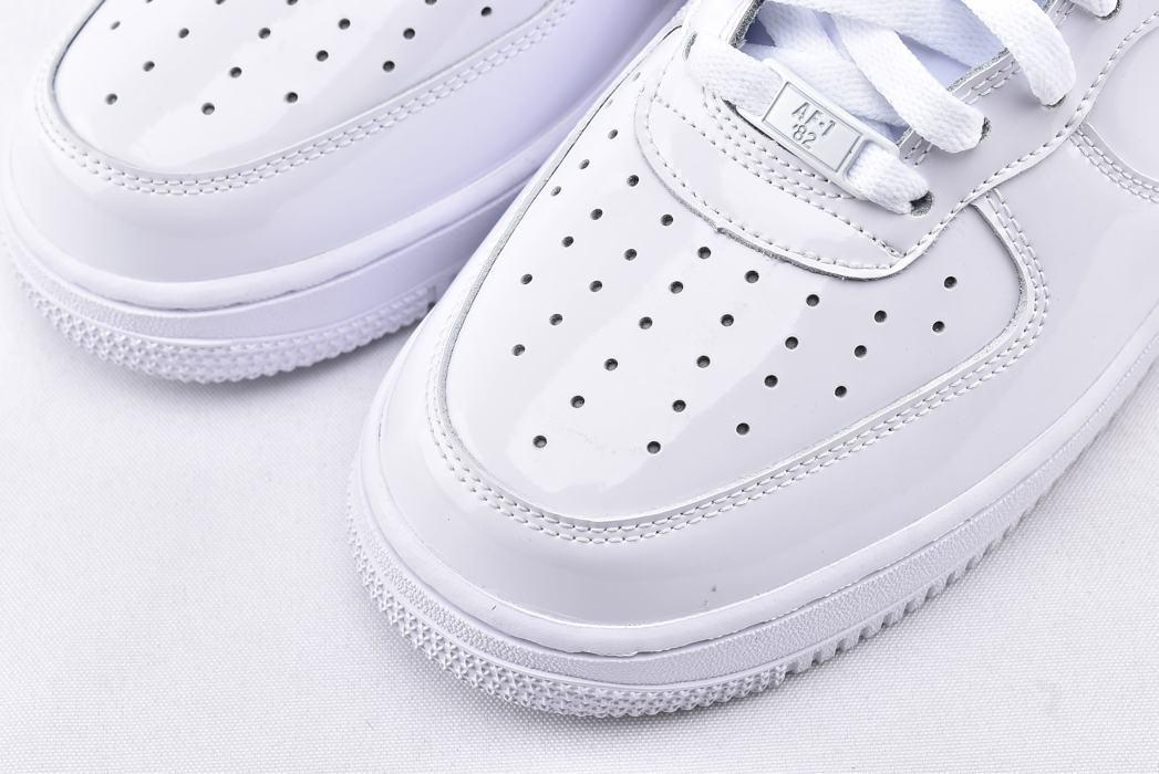 Nike Air Force 1 High QS Sheed Triple White 3