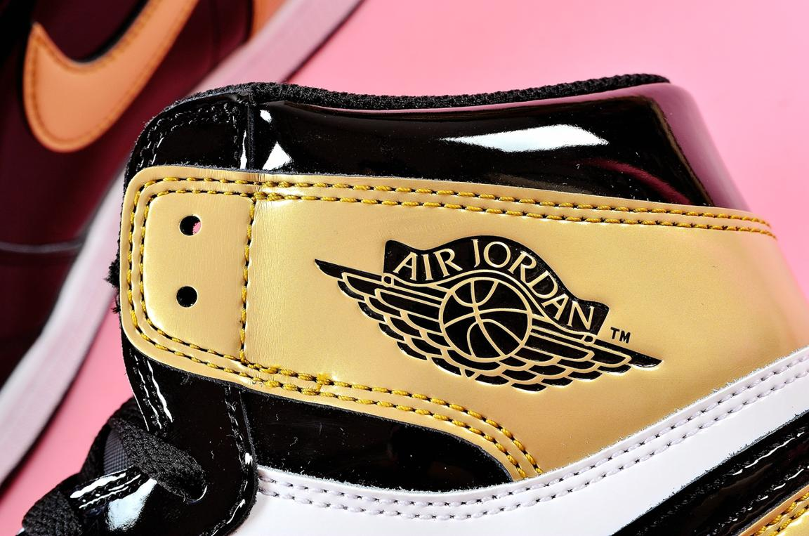 Nike Air Jordan 1 Retro High OG NRG Gold Toe 12
