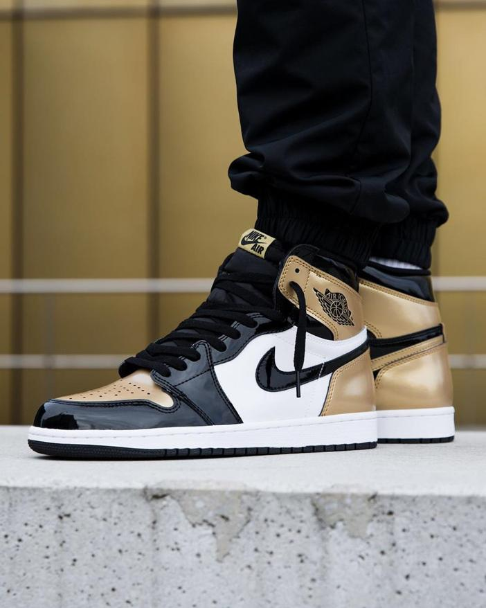 Nike Air Jordan 1 Retro High OG NRG Gold Toe 17