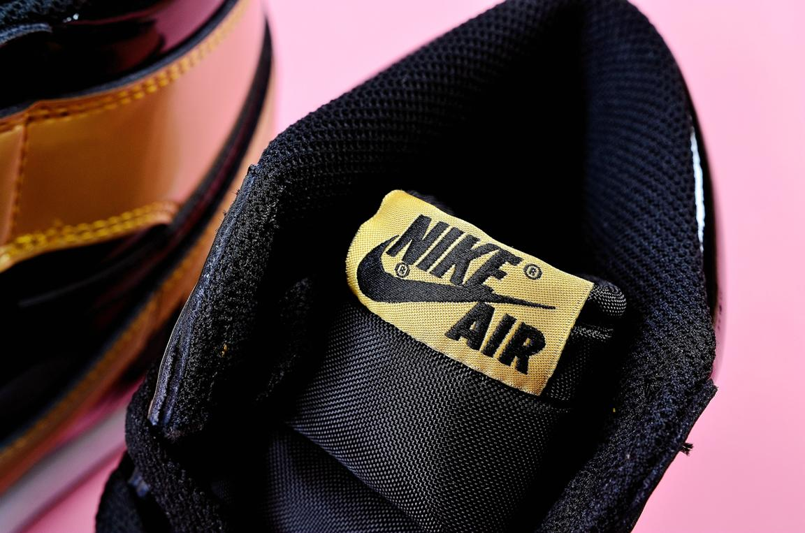 Nike Air Jordan 1 Retro High OG NRG Gold Toe 9