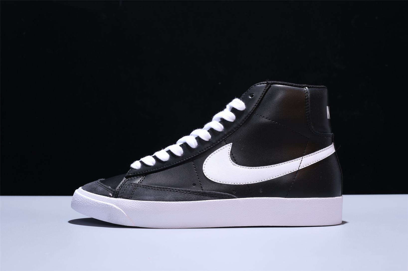 Nike Blazer Mid 77 Vintage Black Canvas 4