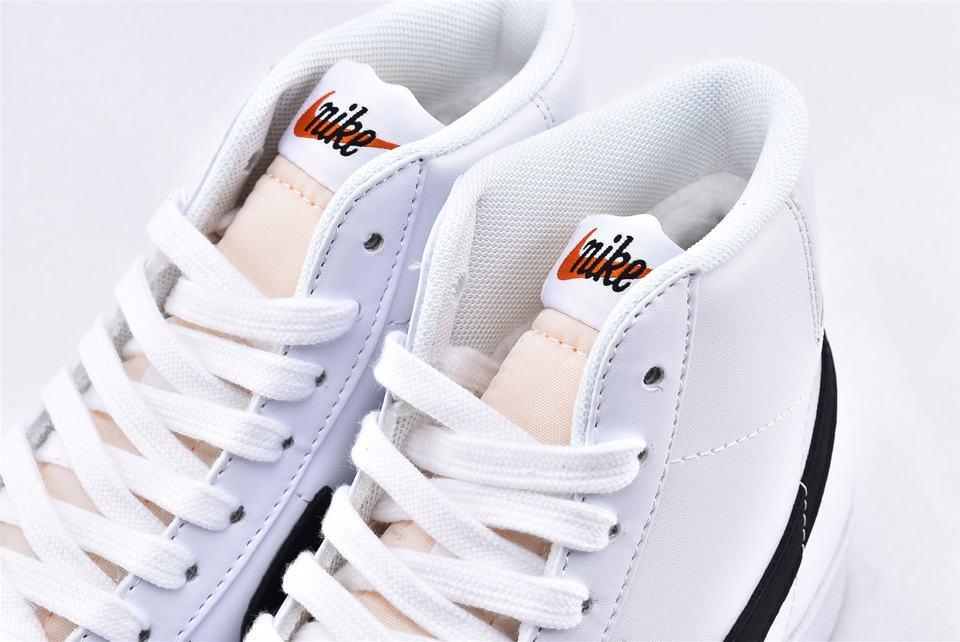 Nike Blazer Mid 77 Vintage White Black 4
