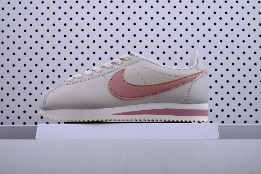 Nike Wmns Classic Cortez Leather Light Bone 1