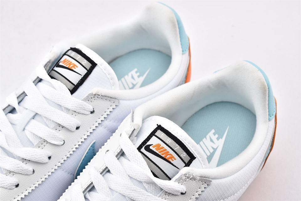 Nike Wmns Classic Cortez Premium Light Aqua 4