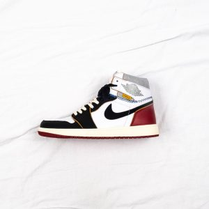 Union x Air Jordan 1 Retro High Black Toe 1