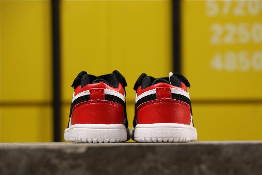 Air Jordan 1 Low Alt PS Black Toe 4
