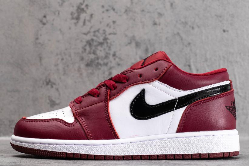 Air Jordan 1 Low GS Noble Red 1