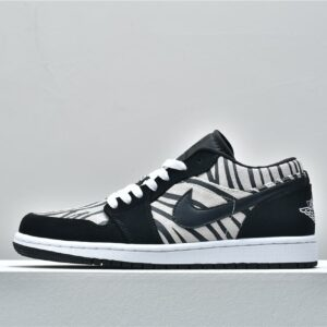 Air Jordan 1 Low GS Zebra 1