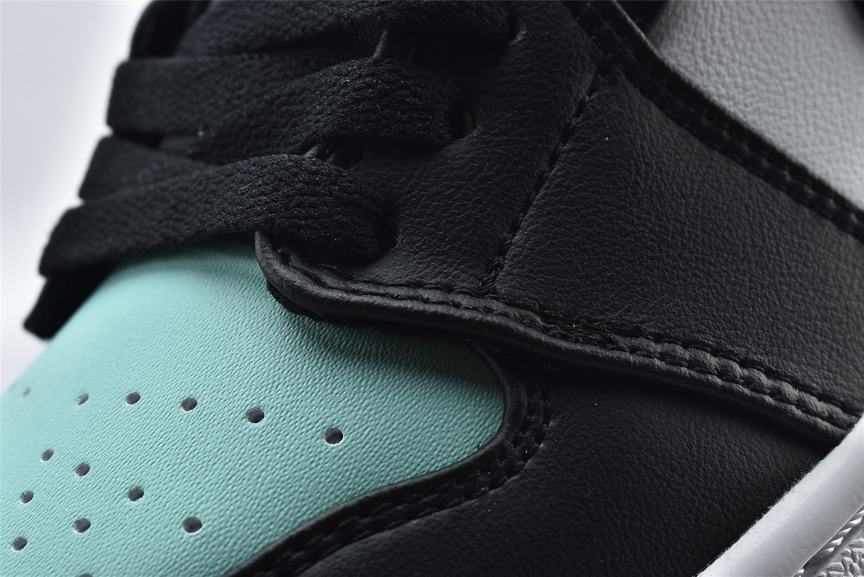 Air Jordan 1 Retro Low Emerald 16