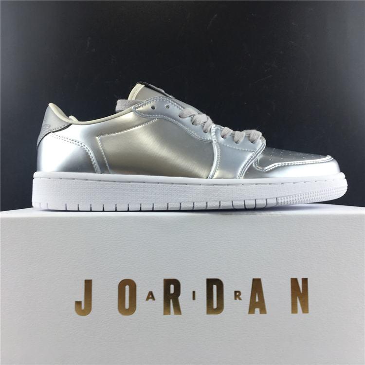 Air Jordan 1 Retro Low OG Pinnacle Metallic Silver 1