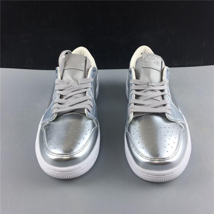Air Jordan 1 Retro Low OG Pinnacle Metallic Silver 4