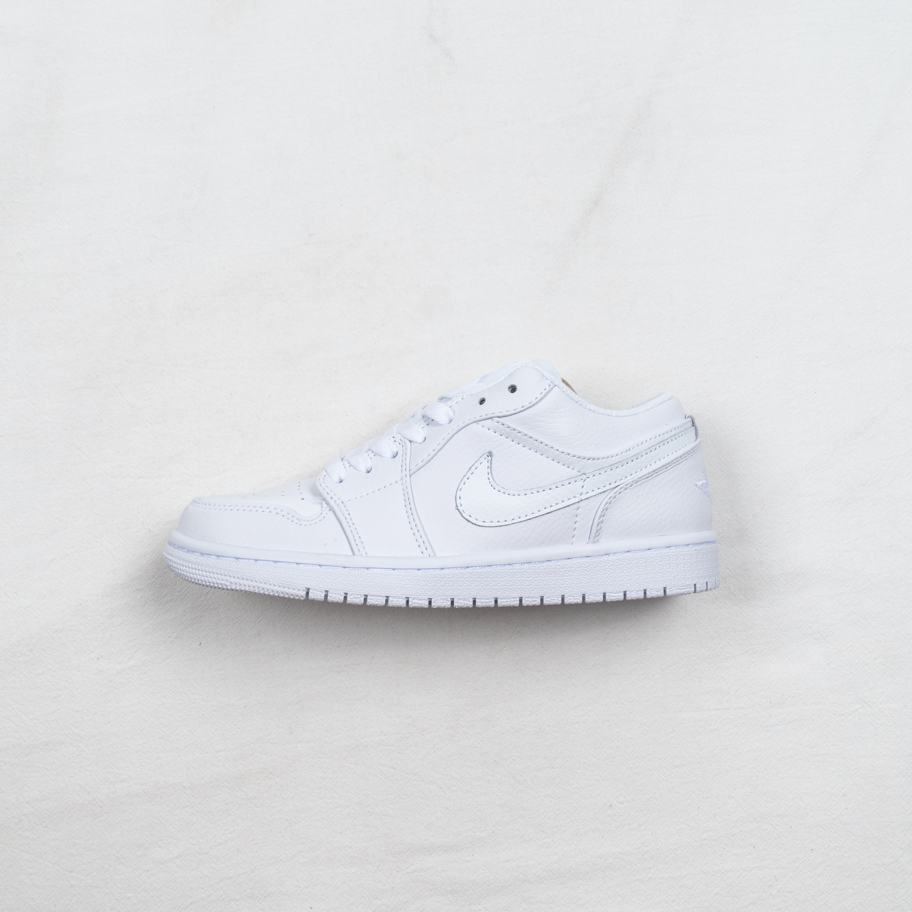 Air Jordan 1 Retro Low Pure Platinum 1