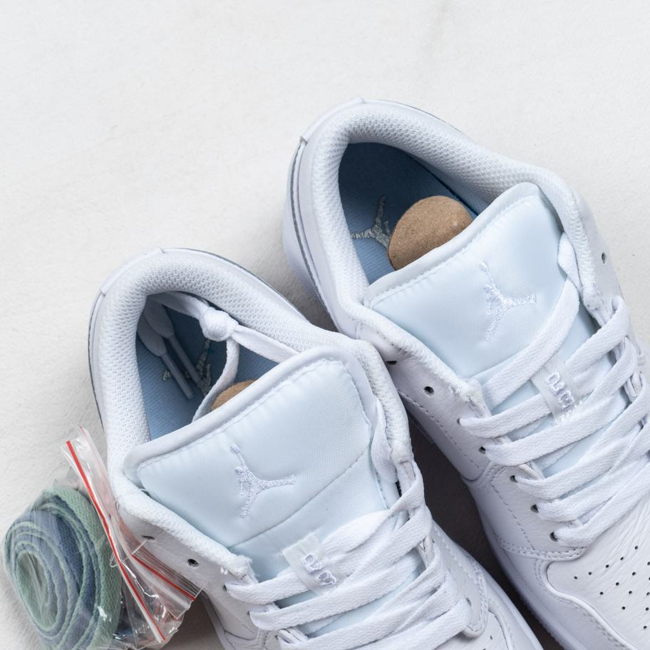 Air Jordan 1 Retro Low Pure Platinum 3