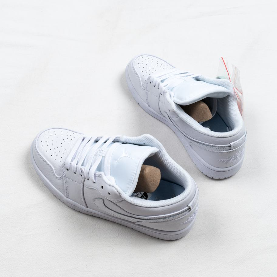Air Jordan 1 Retro Low Pure Platinum 6