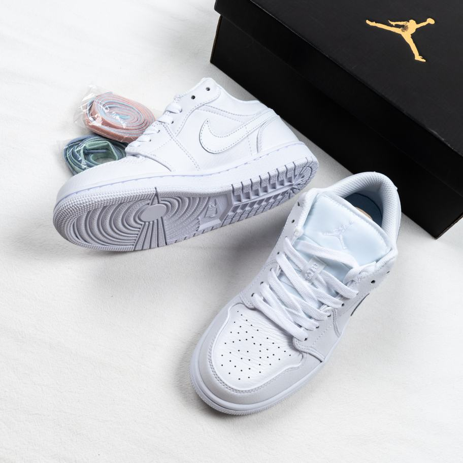 Air Jordan 1 Retro Low Pure Platinum 9