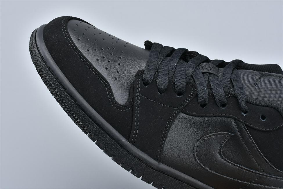 Air Jordan 1 Retro Low Triple Black 10
