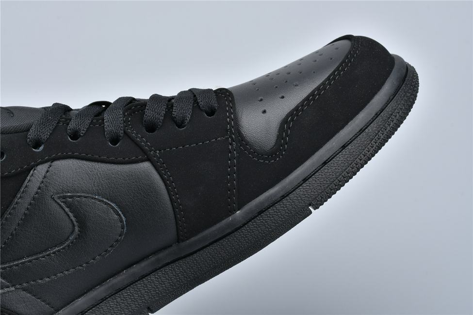Air Jordan 1 Retro Low Triple Black 11