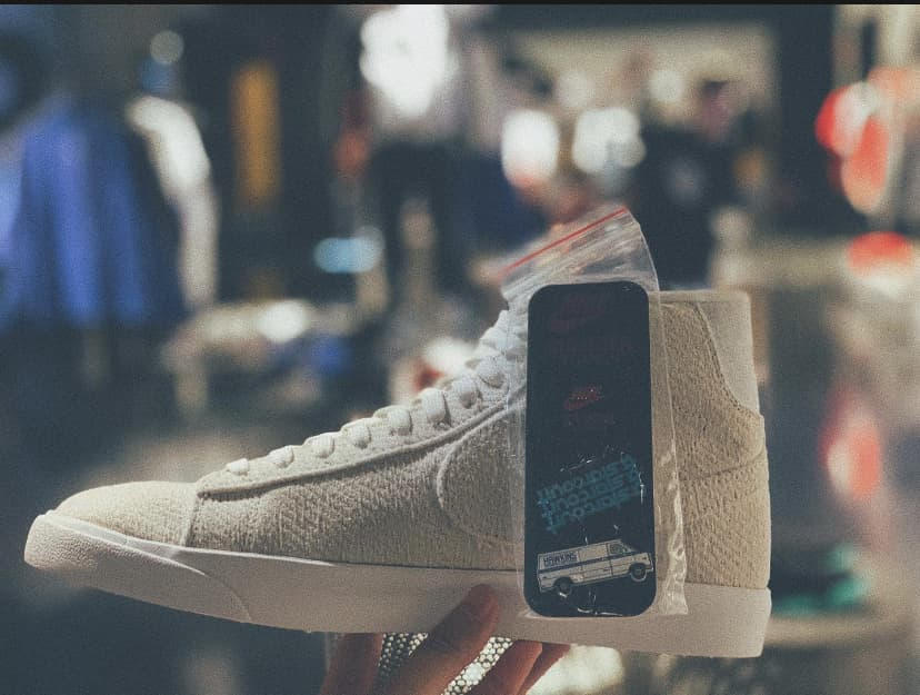 Nike Stranger Things x Blazer Mid QS Upside Down 19