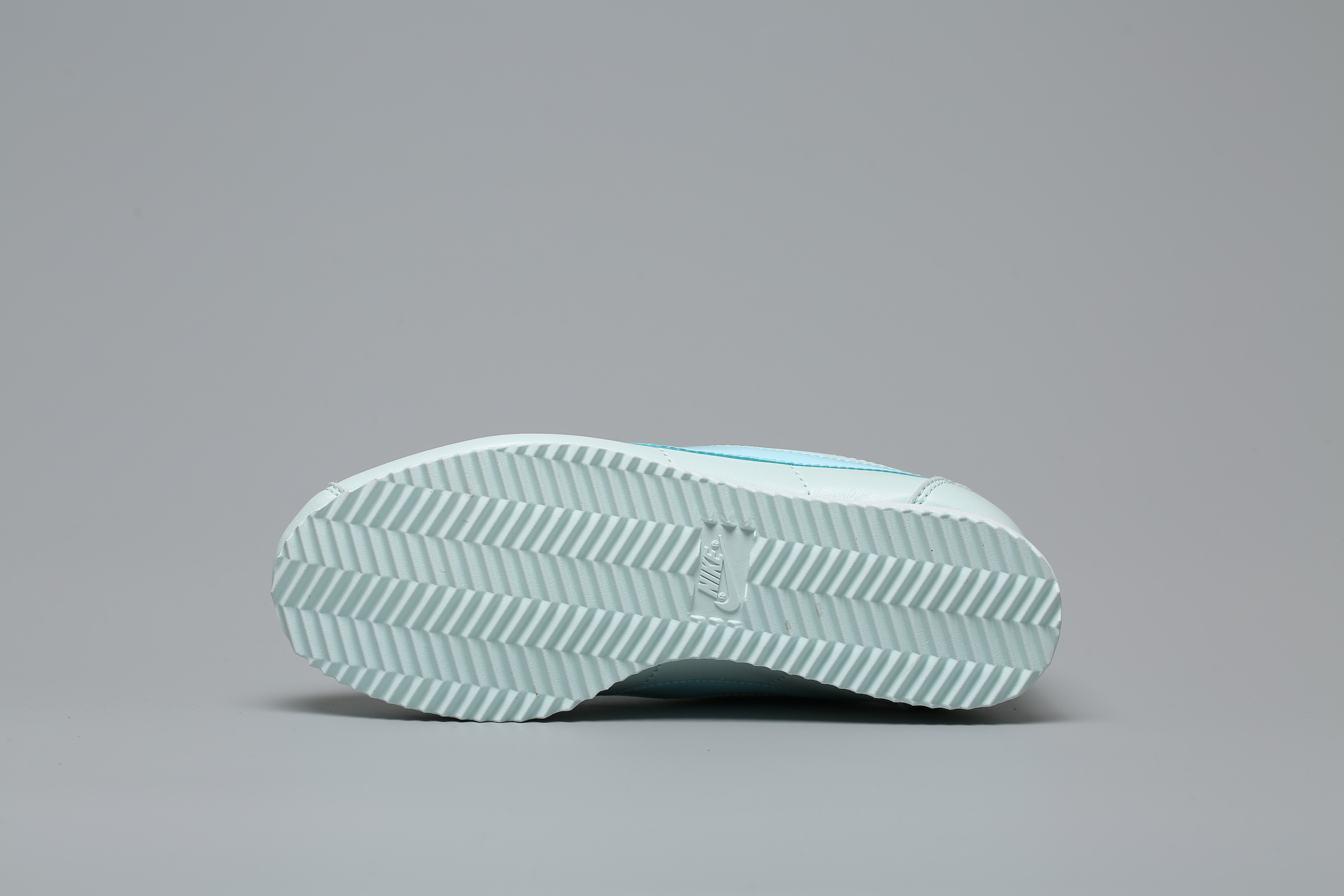 Nike Wmns Classic Cortez Premium Barely Grey 5