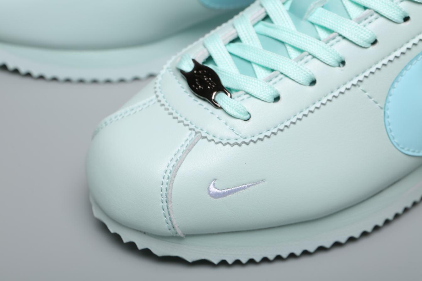 Nike Wmns Classic Cortez Premium Barely Grey 6