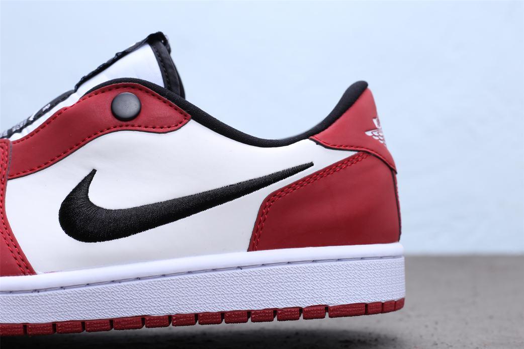 Wmns Air Jordan 1 Low Slip Chicago 11