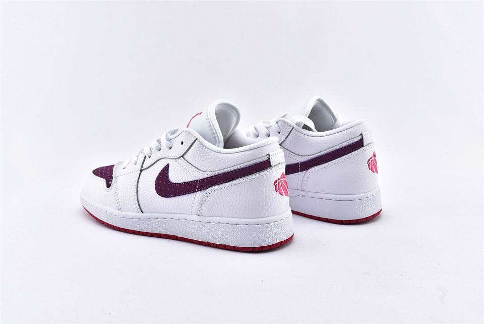 Air Jordan 1 Low GS White Berry 9
