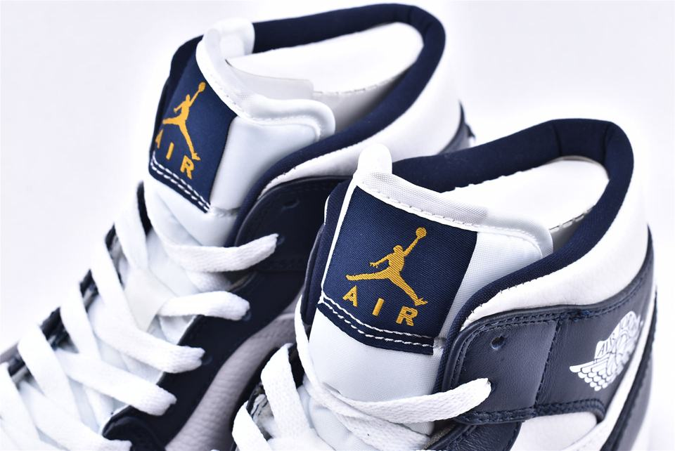 Air Jordan 1 Mid Obsidian 4