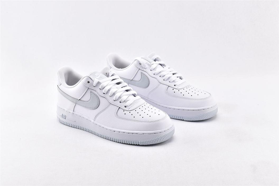 Nike Air Force 1 Low 07 White Metallic Silver 2