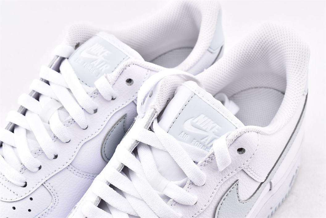 Nike Air Force 1 Low 07 White Metallic Silver 4