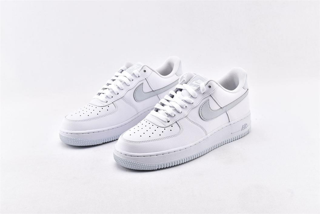Nike Air Force 1 Low 07 White Metallic Silver 5