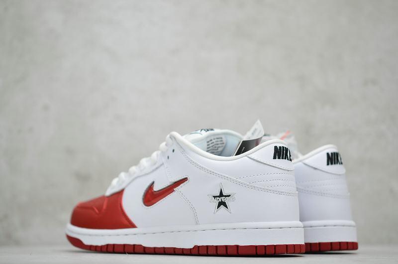Supreme x Nike Dunk SB Low Varsity Red 4