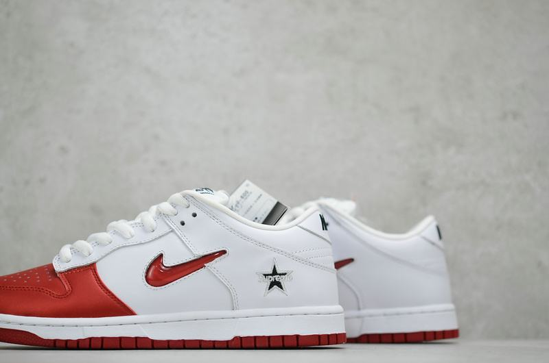 Supreme x Nike Dunk SB Low Varsity Red 6