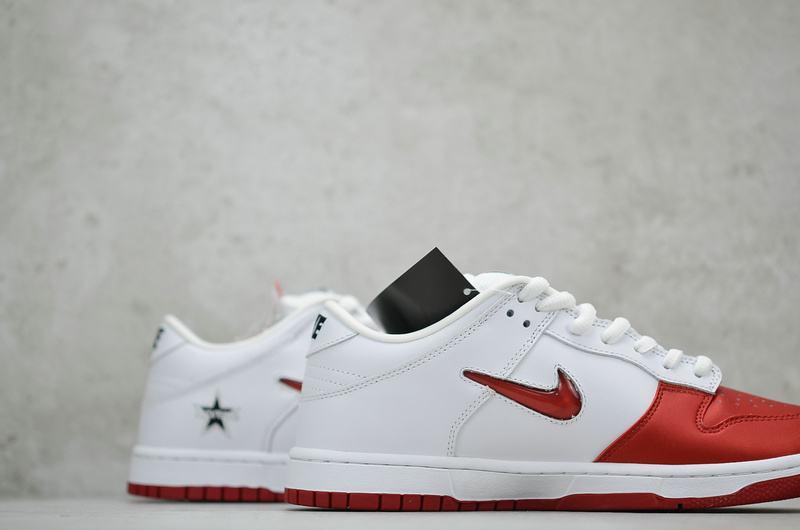 Supreme x Nike Dunk SB Low Varsity Red 7